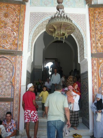 Moulay Idriss Zerhoun : The entrance to the Zawiyyah (Shrine)