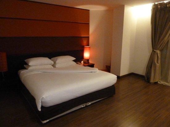 Sunbeam Hotel Pattaya: ダブルベッド