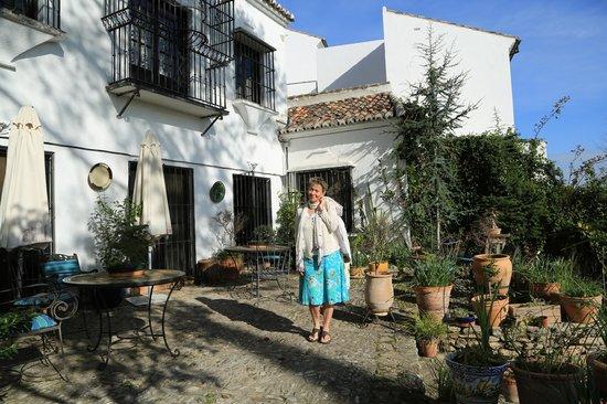 Hotel Jardin de la Muralla: The garden terrace