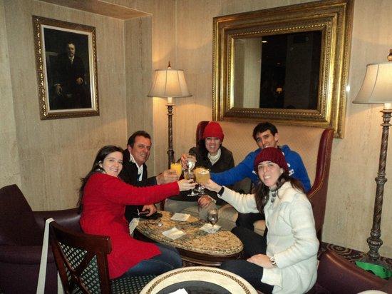 The Roosevelt Hotel: Familia no Restaurante no Natal.
