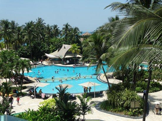 Shangri-La's Rasa Sentosa Resort & Spa : pool