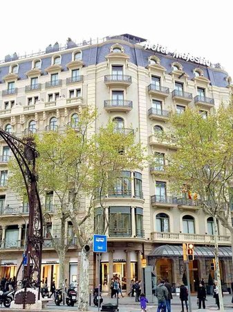 Majestic Hotel & Spa Barcelona : From Passieg de Gracia