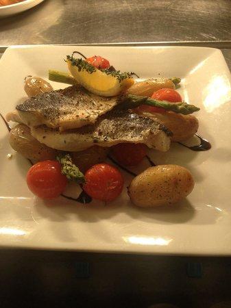 The Longham White Horse: A wonderful Seabass lunch