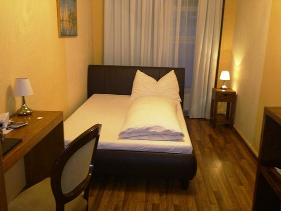 Hotel Casa d'Oro Luciani: الغرفه