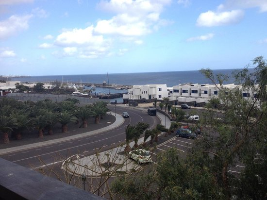 "Hesperia Lanzarote : Our ""room with a view"" of the car park"