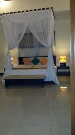 Ashoka Tree Resort Ubud: King sive comfy bed.