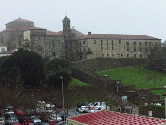 Hotel Mirador de Belvis: Vista do apartamento
