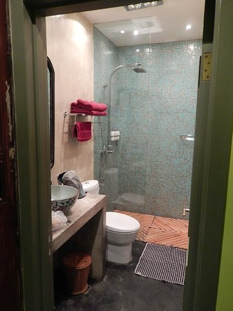 Hotel Cote Cour Beijing: Salle de bain