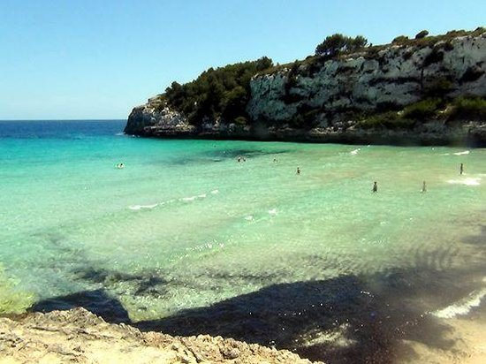 Insotel Cala Mandia Resort & Spa: Czysta plaża nieopodal hotelu