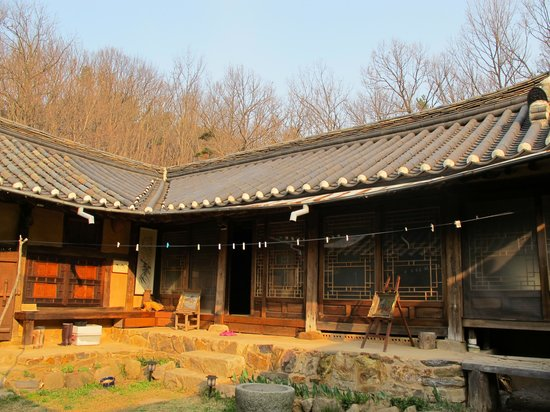 Ogamul Guesthouse: Center Courtyard