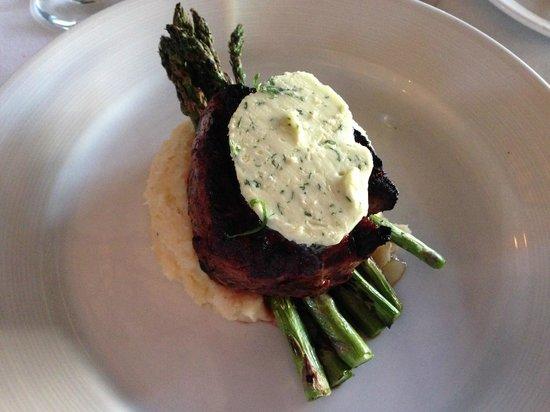 Lambertville Station Restaurant : Filet Mignon - perfect