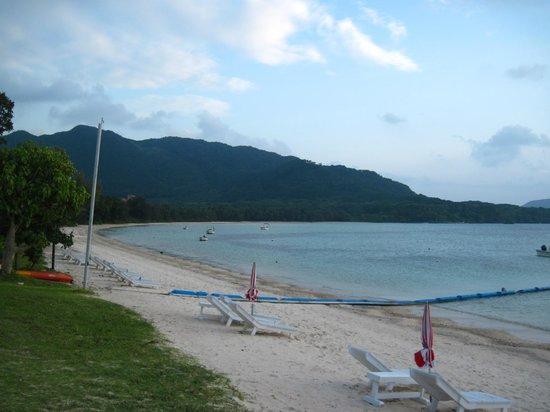 Ishigaki Seaside Hotel: ホテル前ビーチ