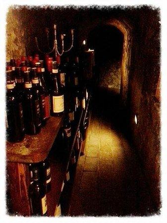 Albergo Paradiso: Cantina tipica spoletana