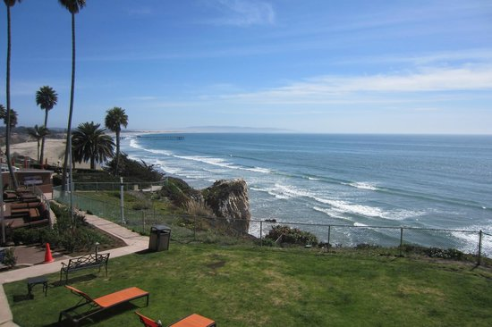 SeaCrest OceanFront Hotel: View from the balcony