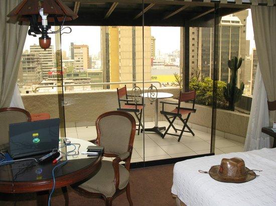 El Condado Miraflores Hotel & Suites : Wenn man um die Ecke guckt, sieht man den Pazifik