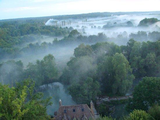 Chateau d'Artigny : вид на долину из номера