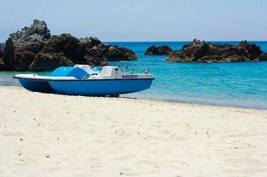 Hotel Punta Faro: Пляж