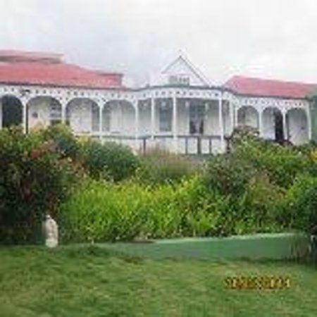 Clay Villa Plantation House & Gardens: The house is lovely.
