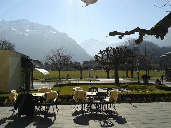 Victoria Jungfrau Grand Hotel & Spa: Sur la terrasse