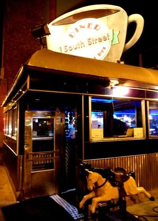 South Street Diner: Dropping by SSD for late-night food.