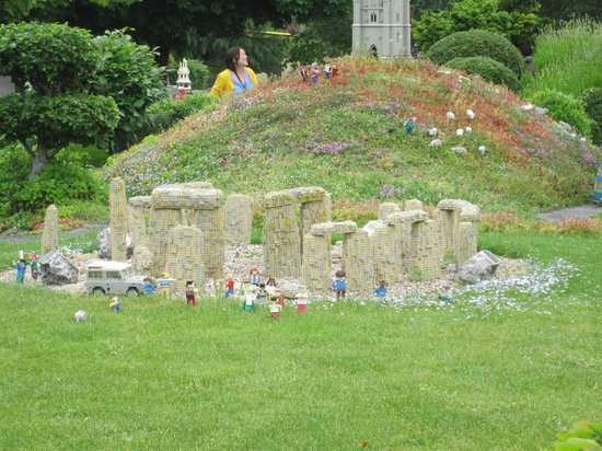 Legoland Windsor Resort: stone henge