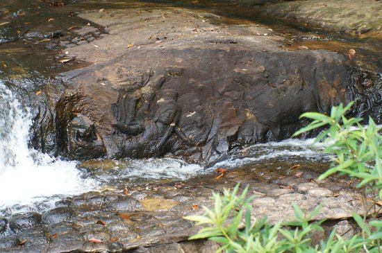 Kabal Spean : Ancient carvings along the riverbed