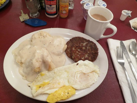 Parry Lodge - biscuits & gravy for breakfast