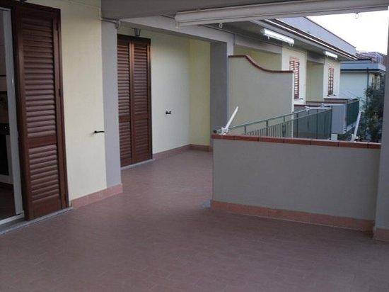 Parco La Conchiglia: Primo piano terrazzo grande