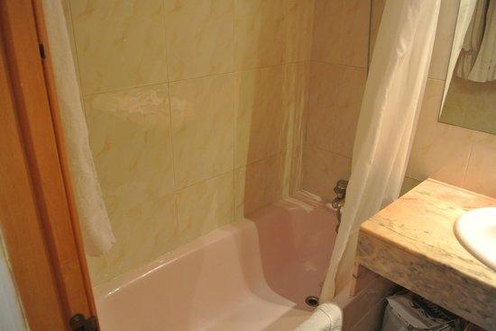 Hotel Cortes: Ванная комната