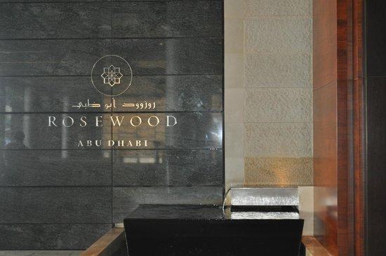 Rosewood Abu Dhabi: Front Desk