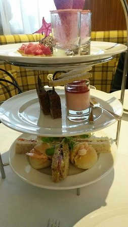 Sheraton Grand Hotel & Spa: Afternoon Tea