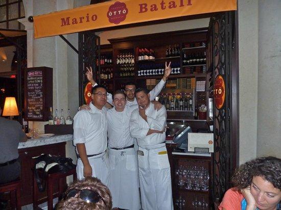 Otto Enoteca Pizzeria : The wait staff is friendly