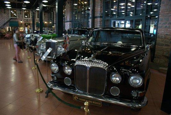 Rahmi M. Koc-Museum: Экспозиция ретроавтомобилей