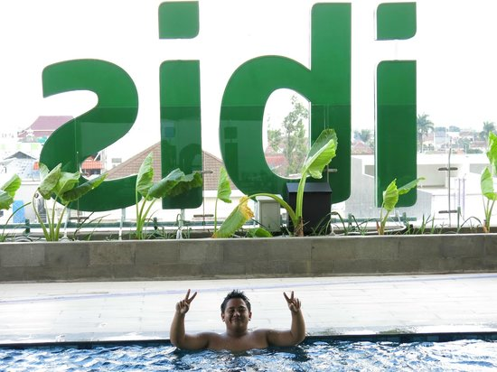 Ibis Styles Malang : at Pool