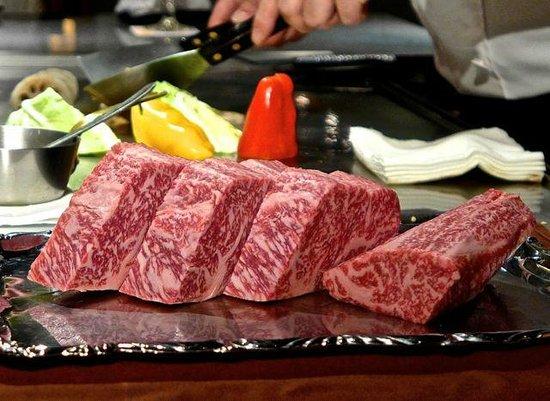 Ginza Miyachiku: The Miyachiku Wagyu Beef close-up.