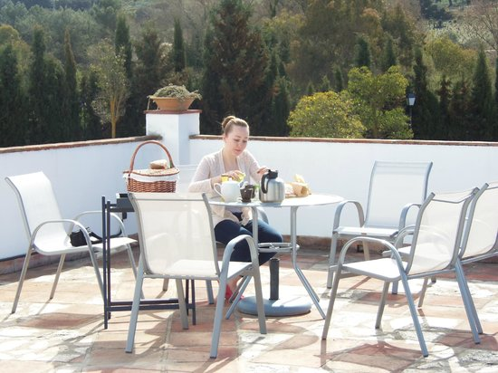 La Perla Blanca: We chose to have breakfast poolside that morning