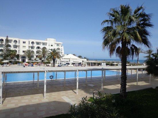 El Mouradi Mahdia : Piscine et plage