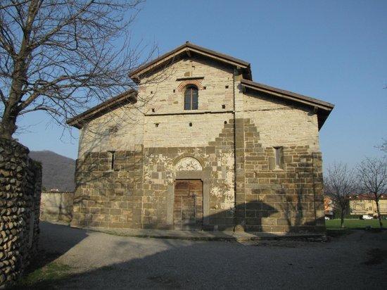 Chiesa di San Giorgio in Lemine : facciata bicolore