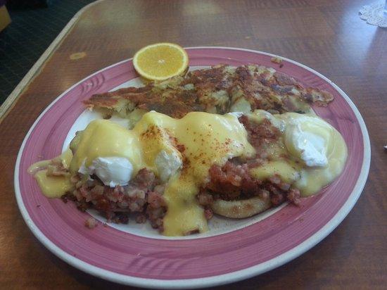 Red Apple Pancake House & Restaurant: crow's nest
