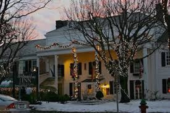Beekman Arms and Delamater Inn : Beekman at Christmas Time