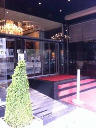 Thon Hotel Bristol Stephanie : entrée de l'hôtel