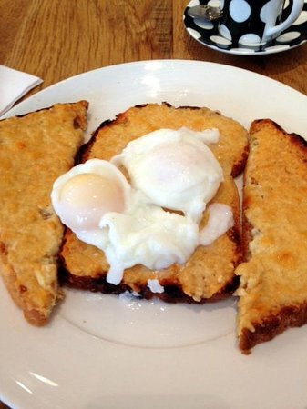 Cwtch Cafe: Buck Rarebit at Cwtch
