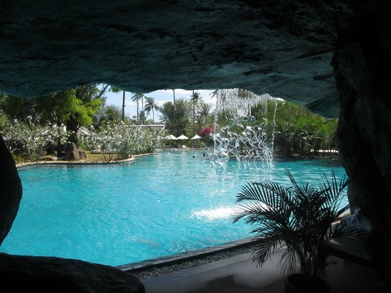 Duangjitt Resort & Spa : Waterfall Pool