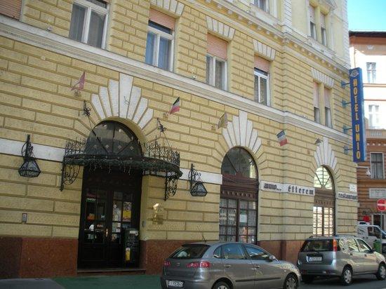 City Hotel Unio: Dob ut