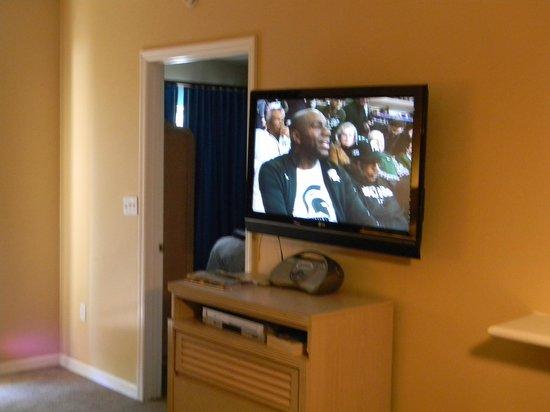 Liki Tiki Village: Living Room Area