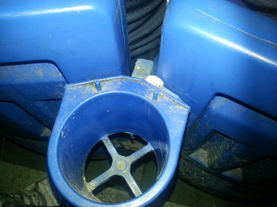 Tropicana Field : Grunge in cupholder (opening day 2014) Sec 206 F14