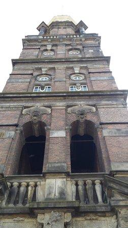 Wijnhuistoren : Eten onder de toren.