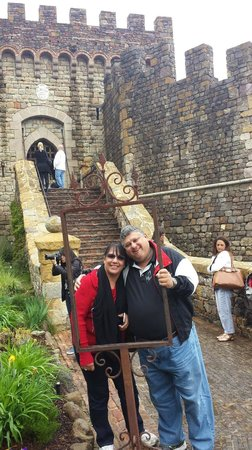Castello di Amorosa: Just picturin what we look like entering our Castle