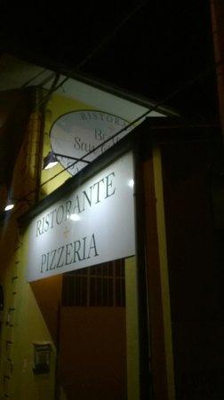 Ristorante Pizzeria Borgo San Giovanni : L'ingresso dalla Statale del Ristorante
