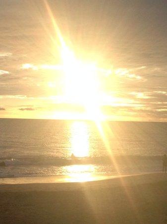Sarento's on the Beach - Maui: Sunset at Sarentos!